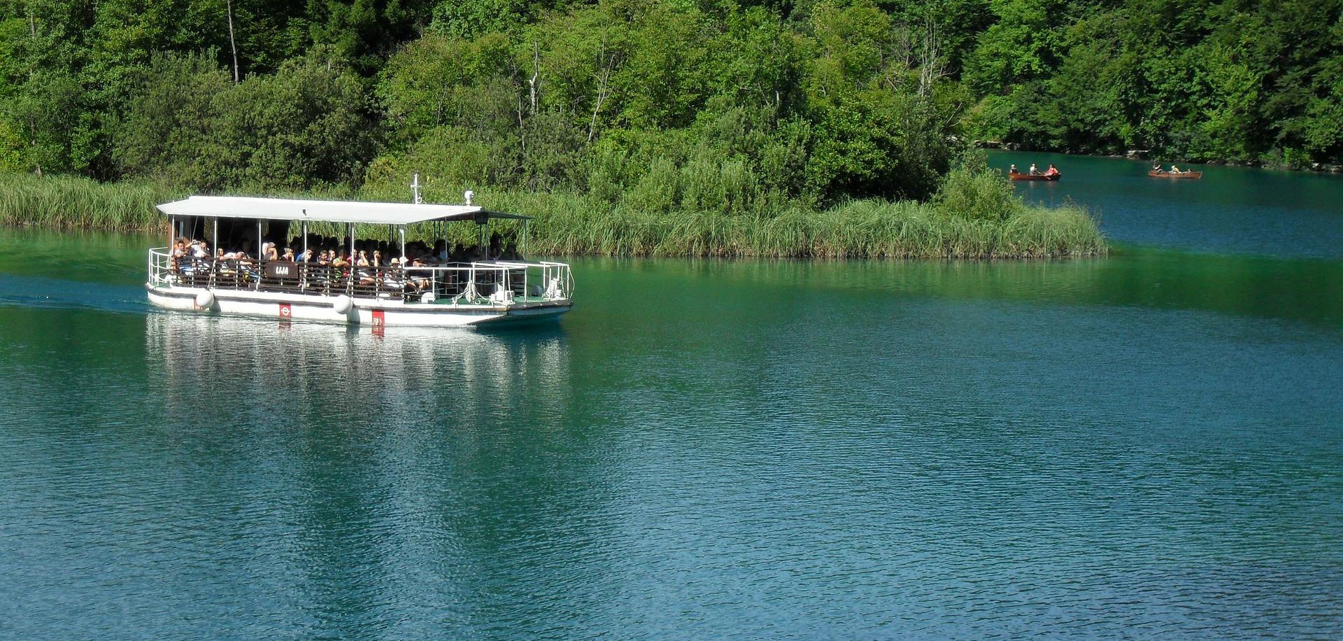 plitvice-lakes-230964_1920